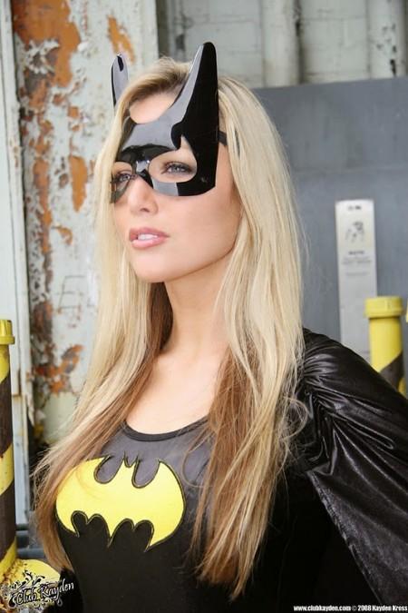 Cosplay Batgirl pelada